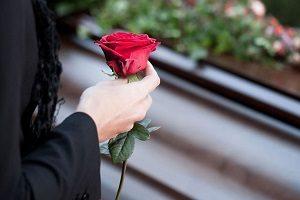 Не отпустили с работы на похороны отца