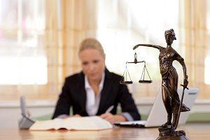 Сто здавать на адвоката